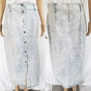 Dresses & Skirts - Vintage Denim Bleach Skirt
